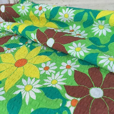 ADORABLE Round VINTAGE TABLE CLOTH Floral 70's FABRIC