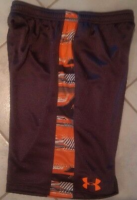 UNDER ARMOUR Boys Heatgear Loose Fit shorts - Youth Large - NEW
