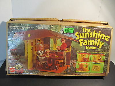 Vintage Sunshine Family House - Mother, Father And Some Furniture - Original Box