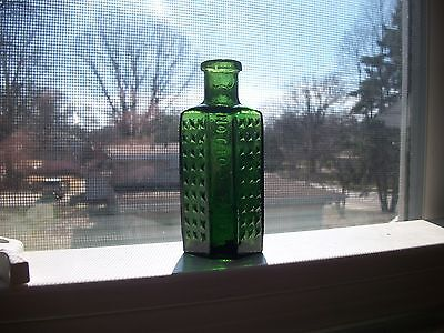 """Pretty Emerald Green 6 Sided Odd Shaped Poison """"not To Be Taken"""" Hand Blown"""
