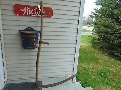 vintage /antique   mowing scythe    nice # o  2061