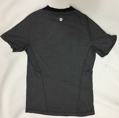 Lululemon Men's Top Shirt Size M Gray Running / Yoga / Fitness