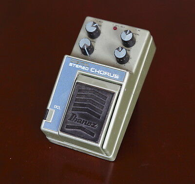 Ibanez DCL Stereo Chorus Effect Pedal -->Classic vintage effect<--