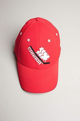 Nike TEAM CANADA ** Hockey** FITTED Hat NHL with hologram SM