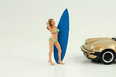 Surfer Girl Paris + Board Figurine 1:24 AMERICAN DIORAMA NO CAR