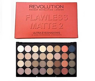 Makeup Revolution Palette 32 ombretti Flawless Matte Trousse 2 occhi opaco