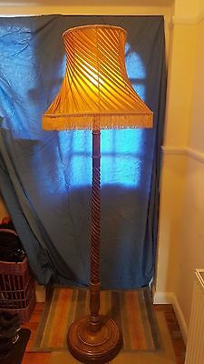 Vintage Retro Mid Century Turned Oak Wood Floor Standing Standard Lamp Light