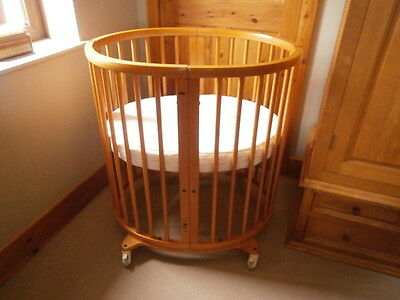 Stokke Sleepi Mini Crib, Cot & Junior Bed  (3 Cots Included) In Natural Cherry
