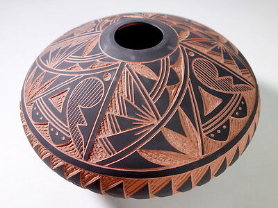 Vintage Southwestern Indian Acoma Pueblo New Mexico Etched Pottery Pot SIGNED