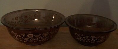 Lot Of 2 Vintage Pyrex Amber Glass Friendship Bird Mixing Bowls # 322 & 323