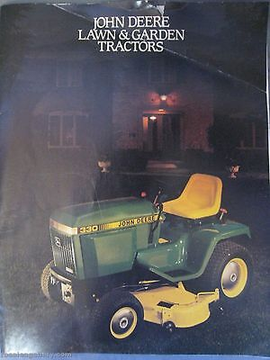 1985 JOHN DEERE LAWN & GARDEN TRACTORS Sales Brochure Catalog Full Line Color