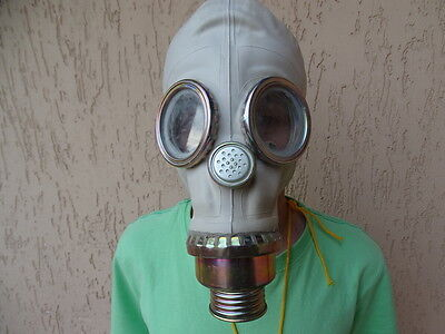 A brand new Polish gas mask SZM41M (Russian GP5 based) in the biggest size 4!