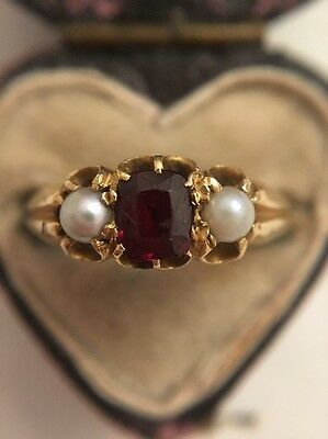 Antique Victorian Garnet And Pearl 3 Stone Yellow Gold Ring Pretty