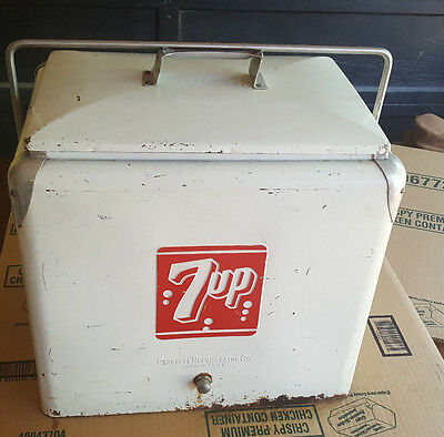 Vintage 1950s 7up cooler metal with tray - ALL ORIGINAL CONDITION .