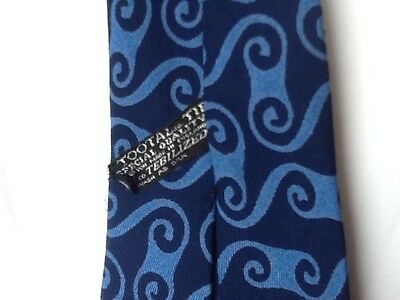 TOOTAL BLACK QUALITY LABEL VINTAGE TIE 1950s 1960s MOD MODERNIST BLUE RAYON
