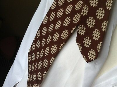 TOOTAL BLACK QUALITY LABEL VINTAGE TIE 1950s 1960s MOD MODERNIST BROWN RAYON