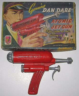 DAN DARE Atomic Jet Gun Raygun red colour with box Crescent DCMT space lone star