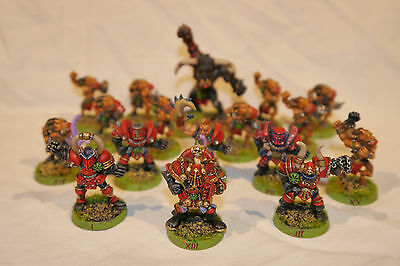 Blood Bowl Chaos Team (15 miniatures + 2 star players)