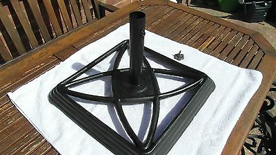 Vintage parasol stand base (very heavy! cast iron?) garden patio