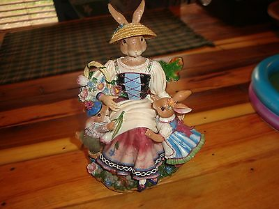 Fritz And Floyd Old World Rabbits-Musical-Mother With Two Baby Bunnies-Box Cute