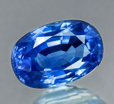 GIA CERTIFIED 1.74 cts. Natural Blue Sapphire Heated From Ceylon. VDO