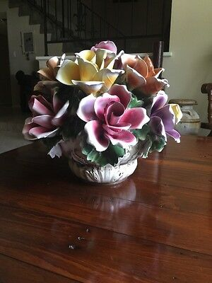 Capodimonte Porcelain Centerpiece Dozen Rose Flower Bouquet Pink Italy 16in