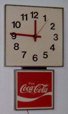 Vintage COCA COLA / COKE CLOCK ADVERTISING SIGN  Made in 1972 WORKS