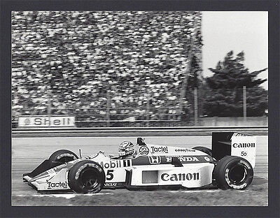 1 B&W photo Williams FW11B Honda 1987 German F1 GP Nigel Mansell