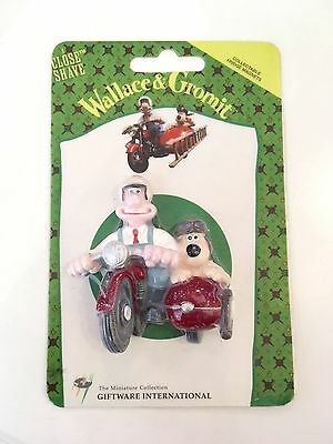 Wallace and Gromit Fridge magnet 1989 with original card packet (on motorbike)