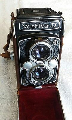 vintage Yashica D Copal MXV Camera with Leather Case (lot108)