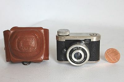 Kunik Walter Petie 1 16 Mm Film Sub Miniature Camera + Case Good Condition(Used)