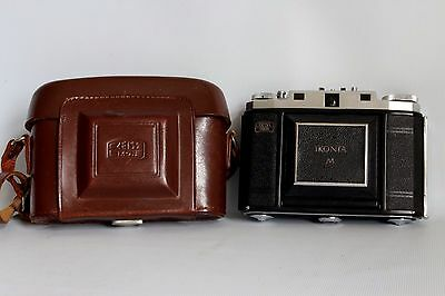 Zeiss Ikon Ikonta M 524/16 Film Camera Folding Front Novar 3.5 Lens +Case (Used)