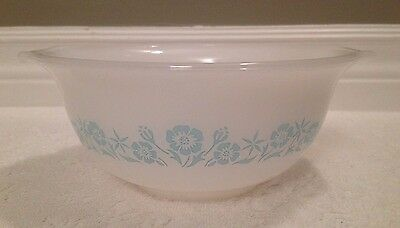 Vintage McKee Maid-Of-Honour 1950+; Turquoise on M-G Dual-Handle Mixing Bowl