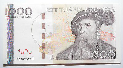 SWEDEN: 1000 Kronor banknote since 2006 in AUNC Condition Serial: 503893968. SEK
