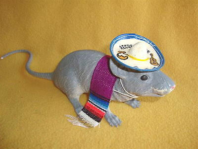 Mexican Tourist Costume for Rat from Petrats