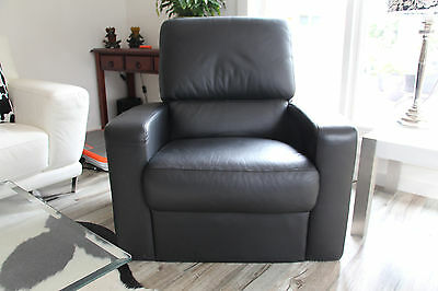 Black Leather Arm Chairs x2
