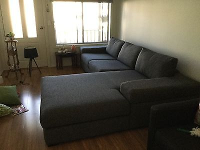 2.5 Seater Lounge Suite With Chaise