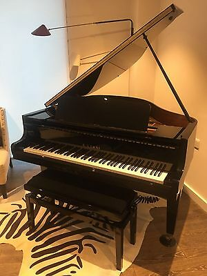 Kawai Baby Grand Piano GM10 - In Excellent Condition 3 Years Old under Watrrenty