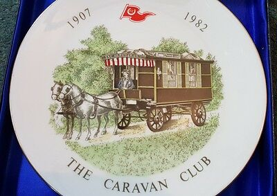 """DELIGHTFUL CAMPING CLUB 75th ANNIVERSARY PLATE DEPICTING """"THE WANDERER"""" CARAVAN"""
