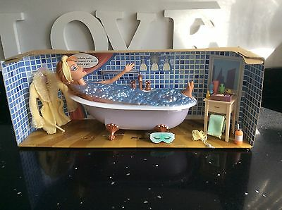 Pre Loved My Scene 2003 Kenzie Doll In My Tub Bath Set Barbie