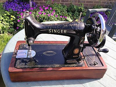 Vintage Singer Sewing Machine 99k With Case And Accessories