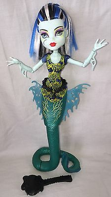 Monster High Doll Scarrier Reef Frankie Glowsome Ghoulfish  Ex Cond