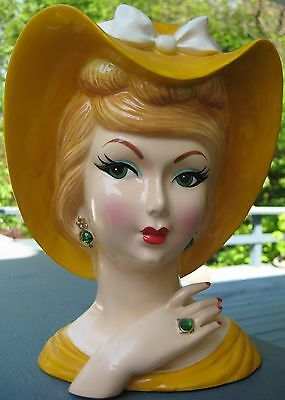 "MAGNIFICENT 8"" HEAD VASE AGNES MOORHEAD AS ENDORA IN BEWITCHED 1960's HEADVASE"