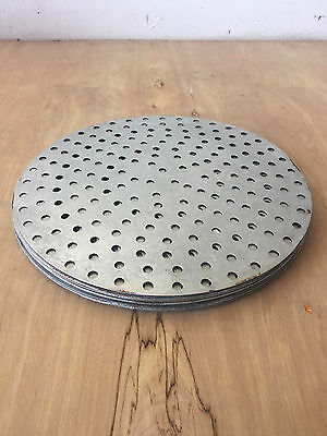 Aluminum Perforated 14-inch Pizza Pan Lot (10 pieces)