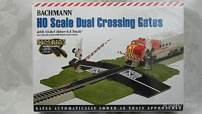 Bachmann HO / On30 Scale Dual Crossing Gates Nickel Silver E-Z Track Automatic