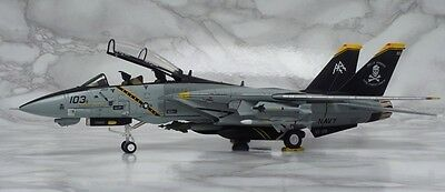 CA721401 F-14B Tomcat USN VF-103 Jolly Rogers Calibre Wings 1:72 diecast model