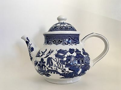 """CHURCHILL BLUE WILLOW TEAPOT WITH LID 10"""" x 7.75"""" EXCELLENT CONDITION"""