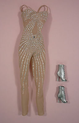 Jennifer Lopez World Tour Outfit - Just Off Doll - For  Barbie Model Muse Body