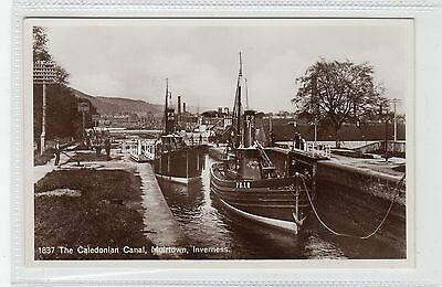 THE CALEDONIAN CANAL, MUIRTOWN, INVERNESS: Inverness-shire postcard (C28346)