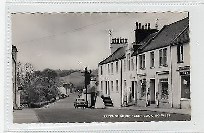 GATEHOUSE OF FLEET LOOKING WEST: Kirkcudbrightshire postcard (C28444)